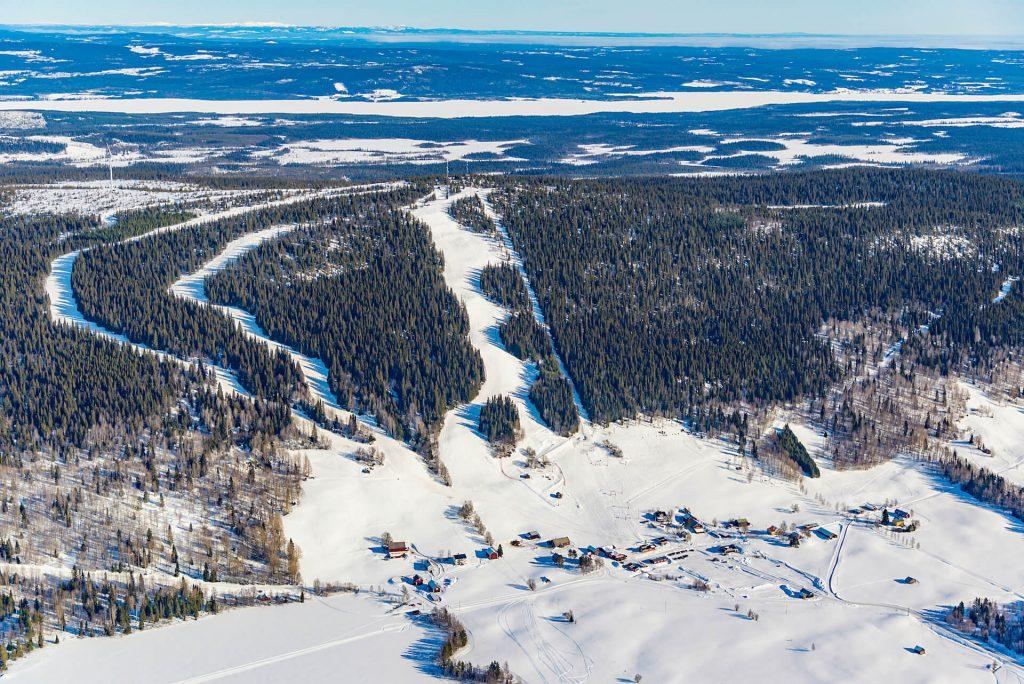 Almåsa flygfoto © Fjellfotografen Thomas Johanson